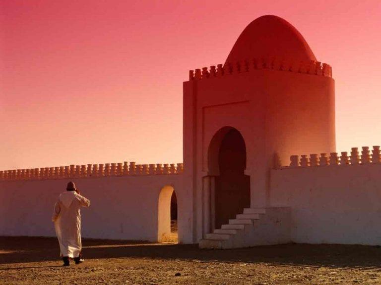 Read more about the article Le mérite de la marche vers la mosquée