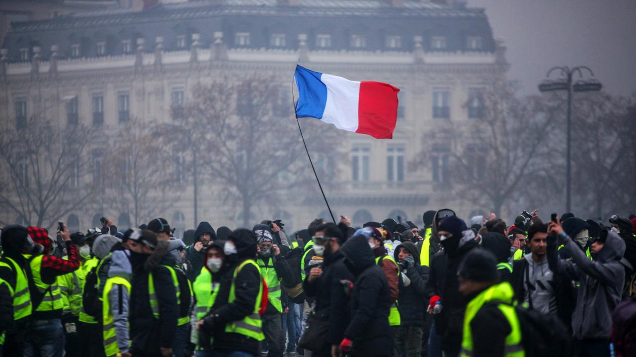 You are currently viewing Les manifestations, les Grèves et les protestations en islam (Gilets Jaunes)